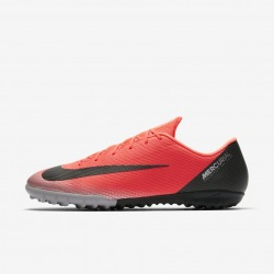 NIKE Football Boots VAPOR 12 ACADEMY CR7 TURF Color carmesi