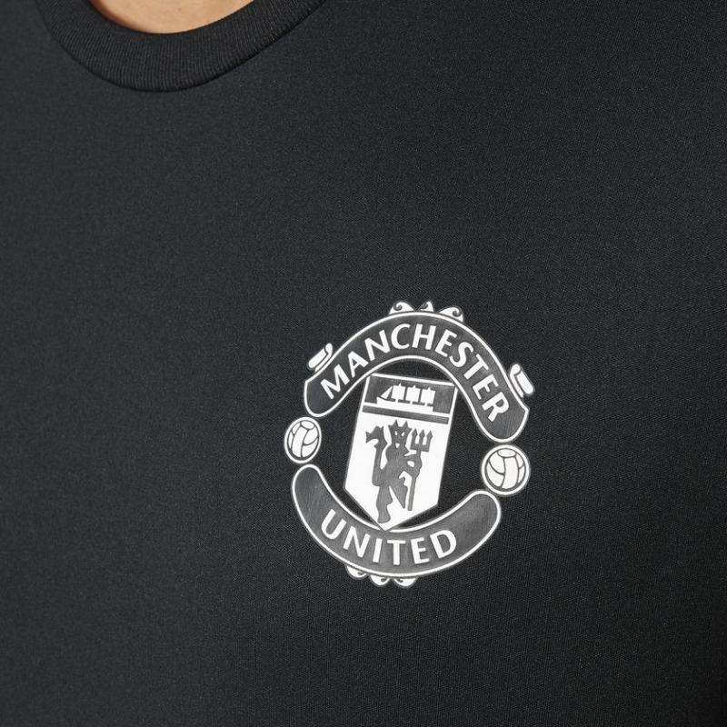 0be07e2635 ... Camiseta Manchester United Calentamiento Adidas